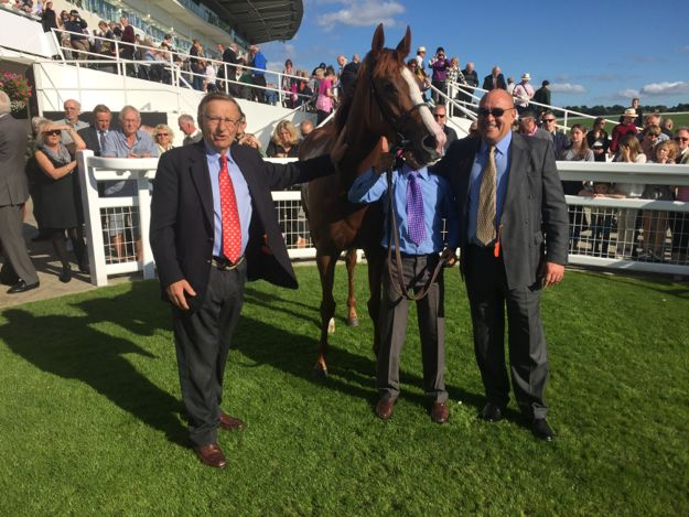 STACKY, PERSUN & FOXY AT EPSOM
